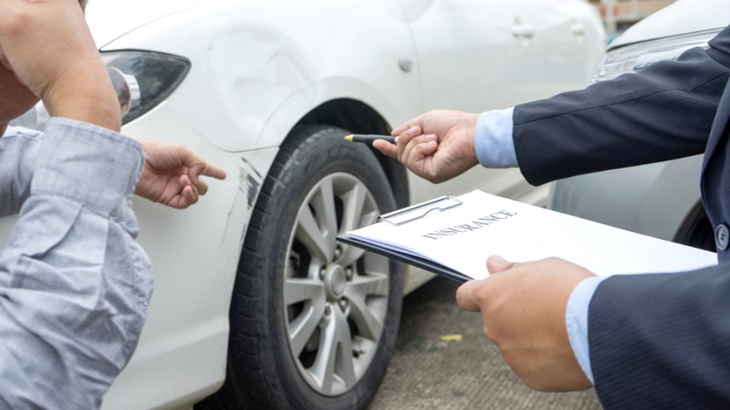 What to Consider When Hiring an Auto Accident Attorney